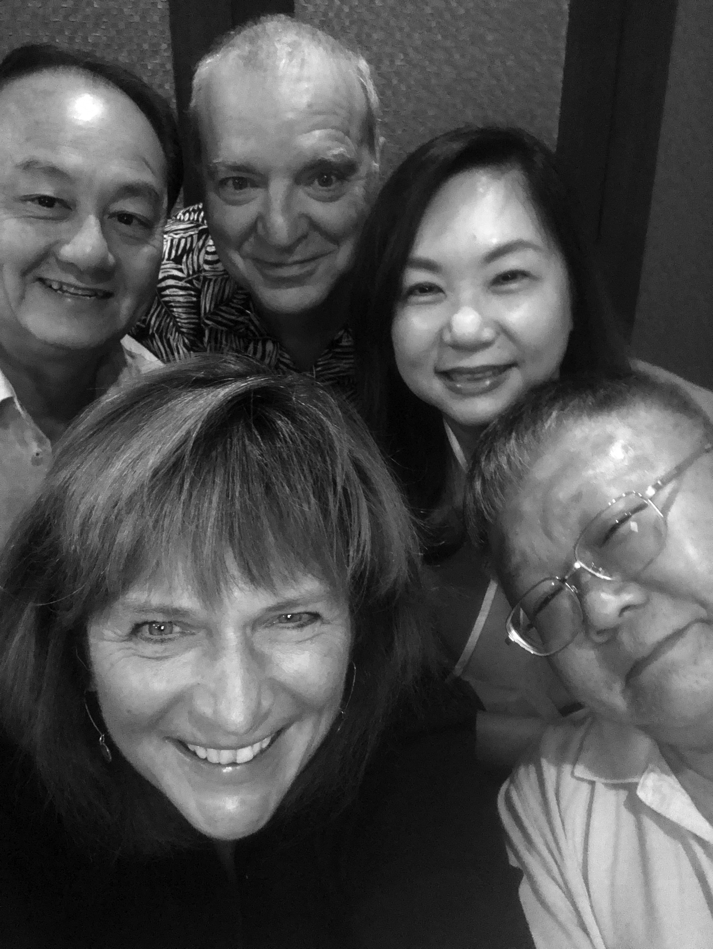 IMG_0490_selfie_dinner YI family_bw