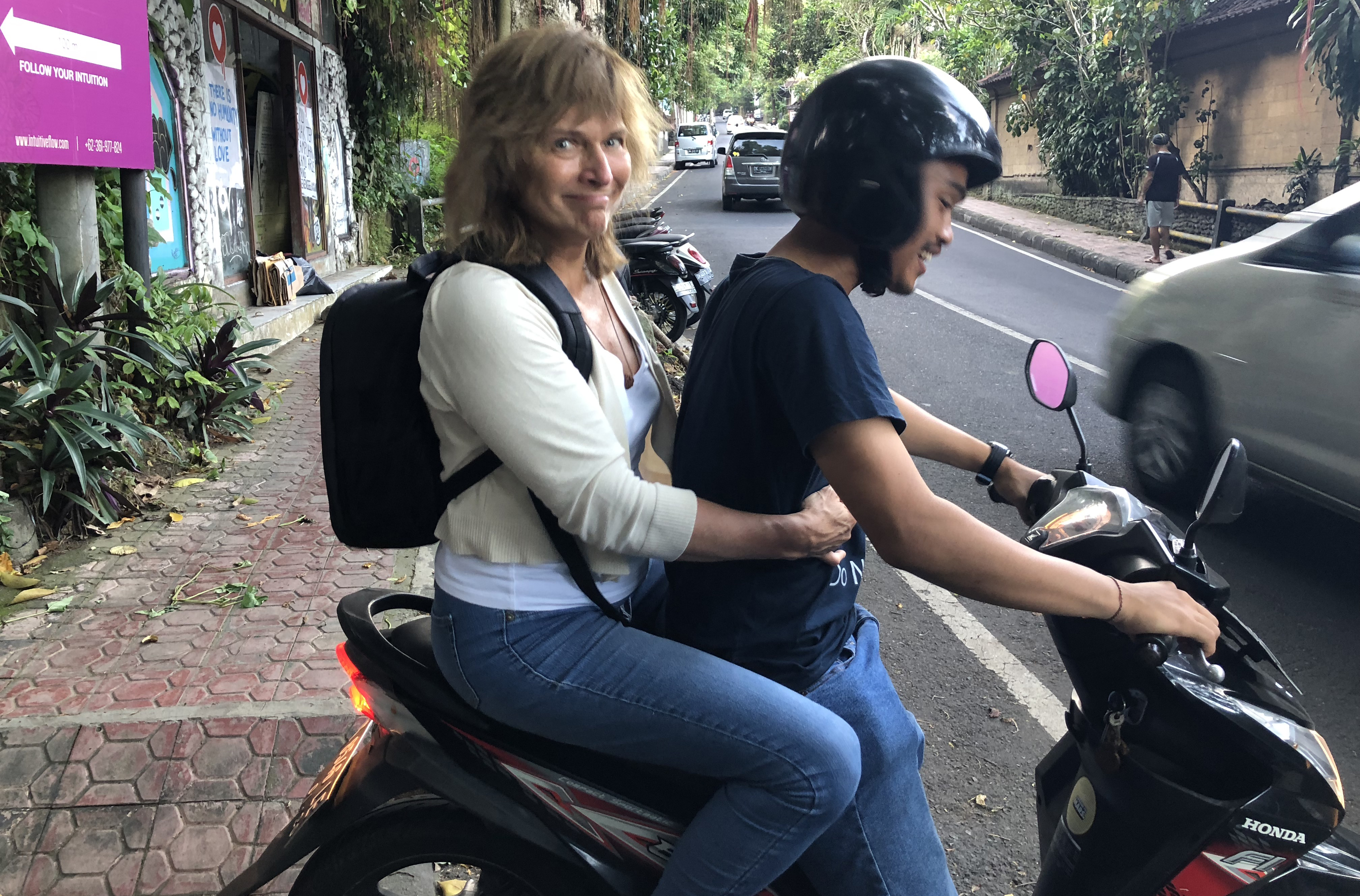 IMG_0508_Frances_mopedtaxi
